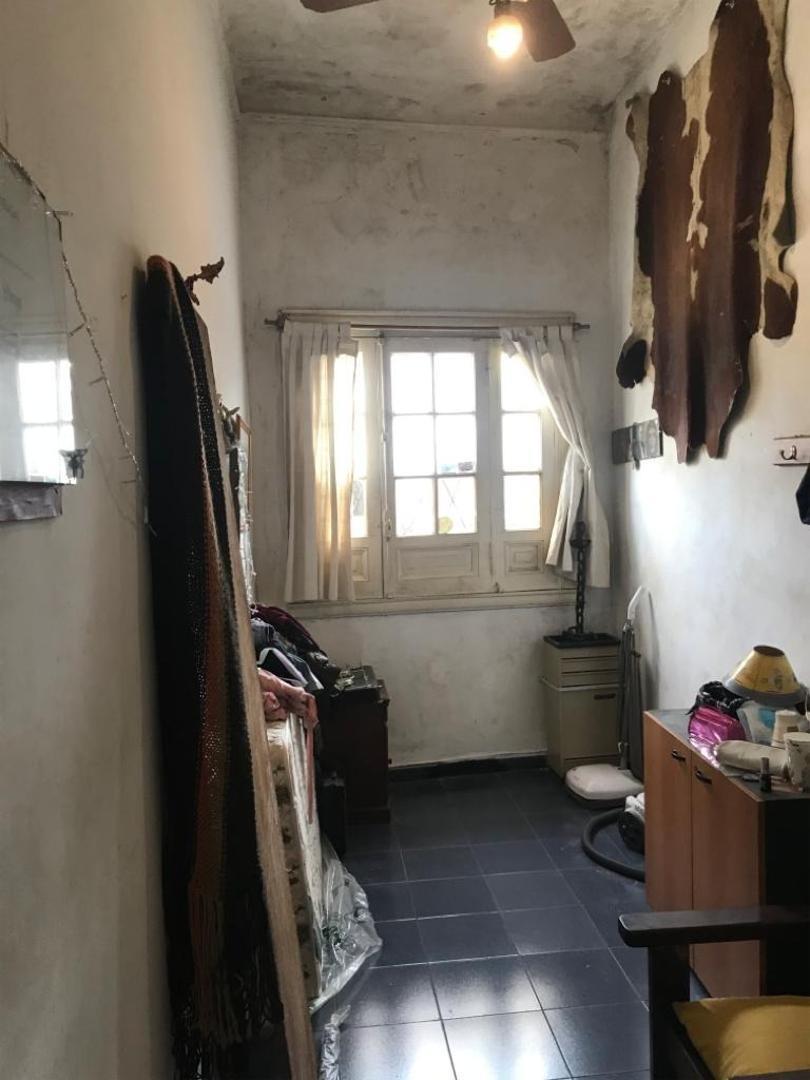 p.h. al frente entrada independiente 2 dormitorios y garage