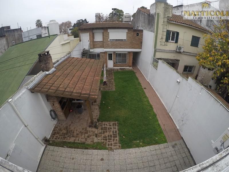 ph al frente sobre sup parcela de 171 m2 con garaje y jardin en villa ballester