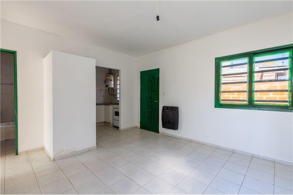 ph de 1 dormitorio con patio en venta en berisso