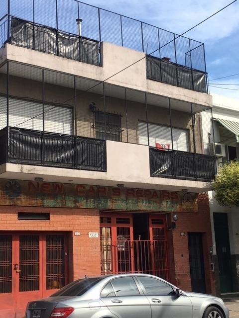 ph de 2 amb con patio y terraza en liniers