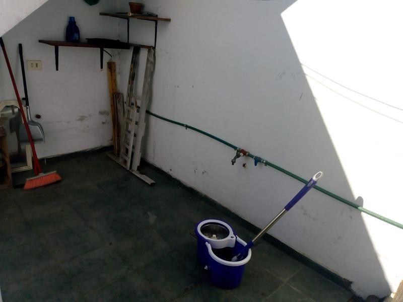 ph de 2 ambientes en planta alta por escalera en villa martelli