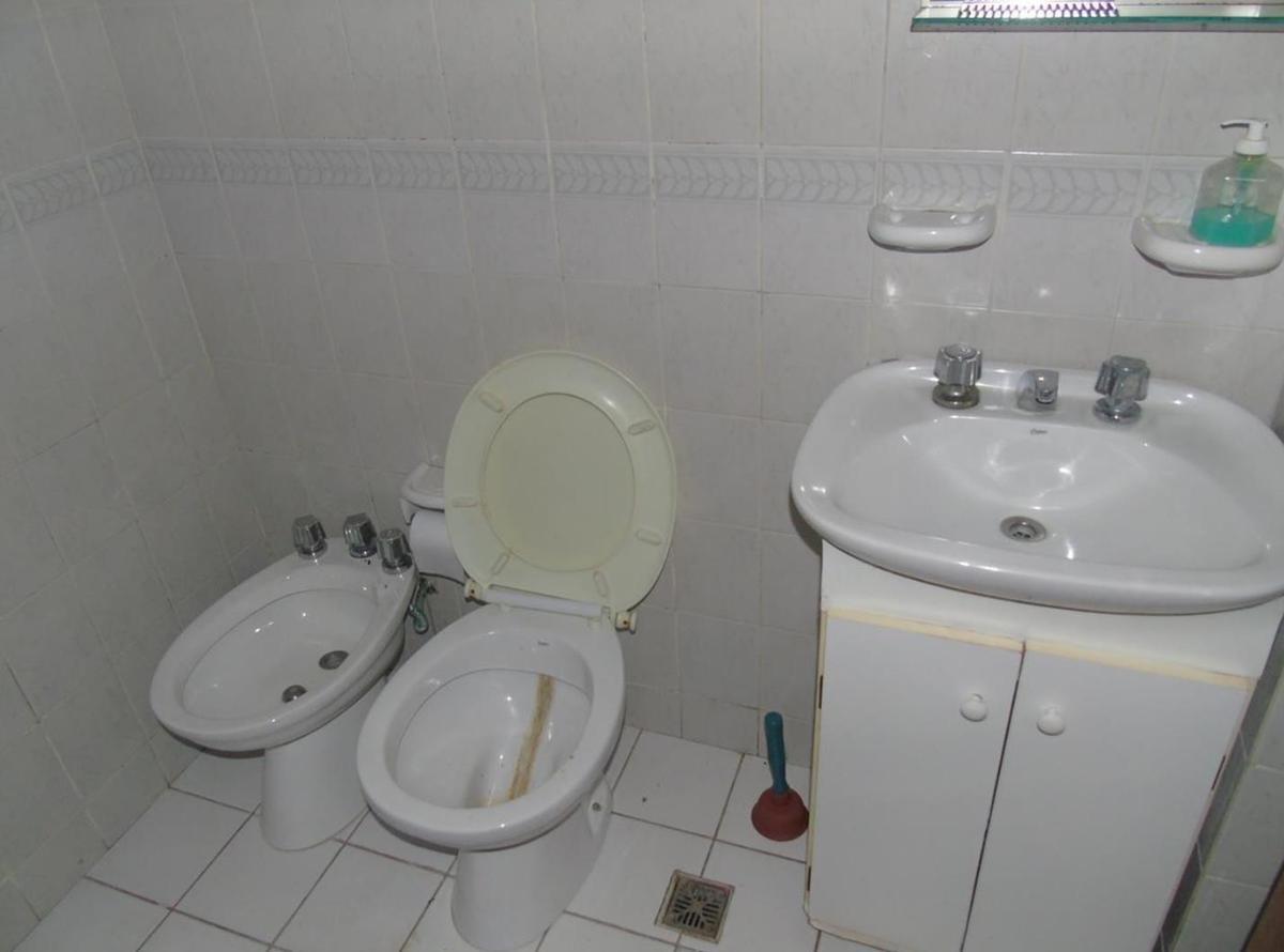 ph de 2 dormitorio-2patios-apto banco - la plata