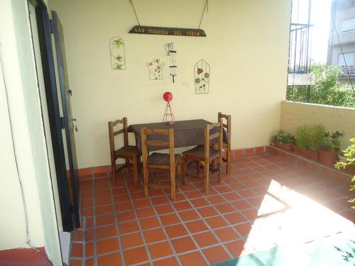 ph de 3 ambientes con cochera cubierta, entrada independiente y gran terraza con parrilla!