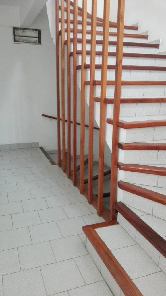 ph de 3 ambientes con espacio de cochera