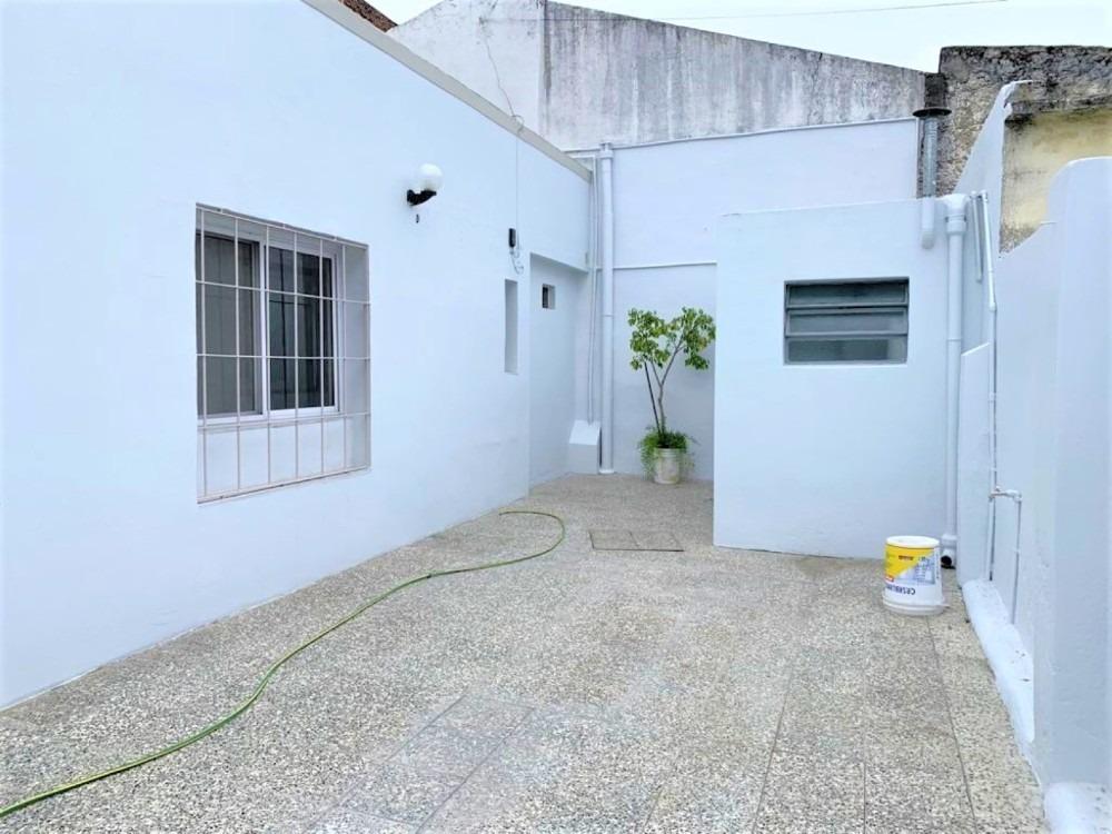 ph de 3 ambientes con patio // paso 372 // moron