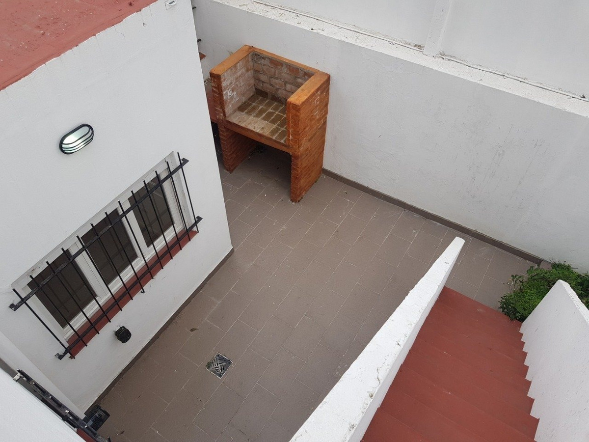 ph de 3 ambientes con terraza. reciclado
