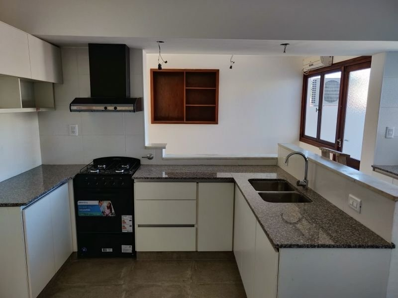 ph de 4 ambientes en venta totalmente reciclado a nuevo. barrio chauvin