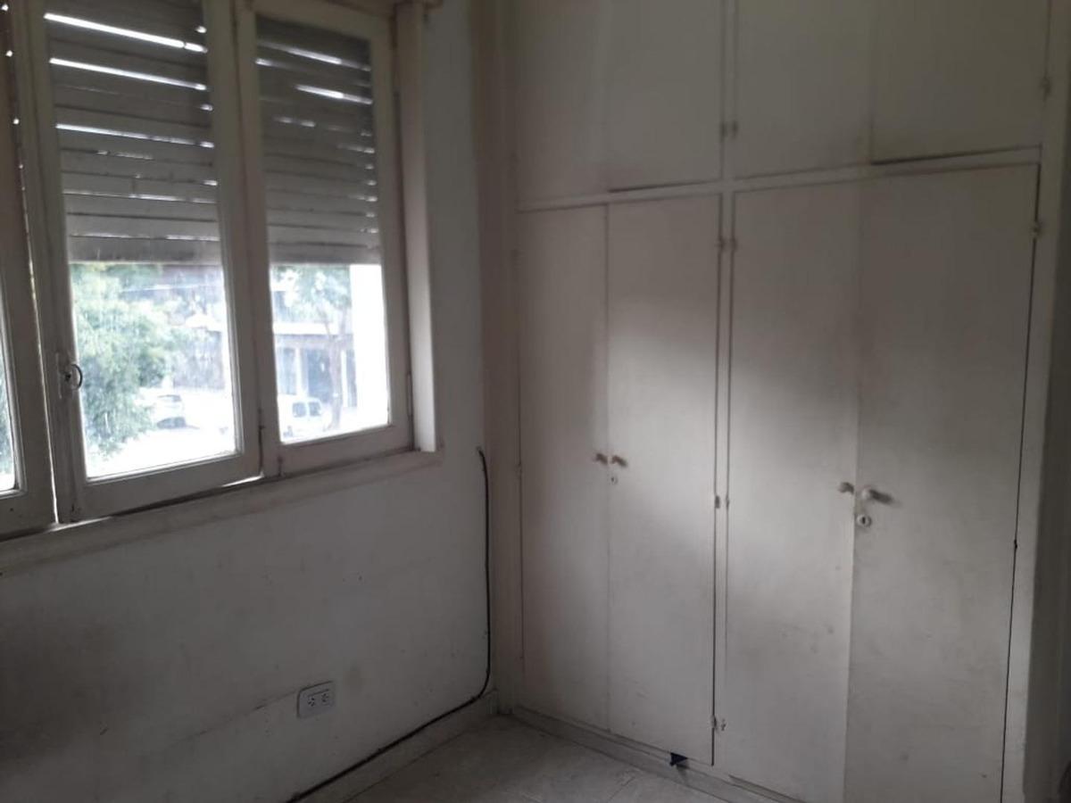 p.h. de dos ambientes en alquiler.