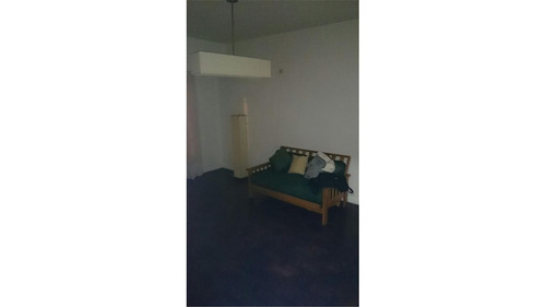 ph de pasillo con entrada por pb y por el primer piso