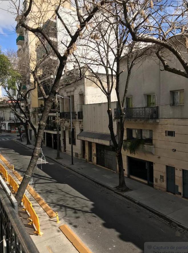 ph en 1er piso  a reciclar. sin expensas. balcon y terraza