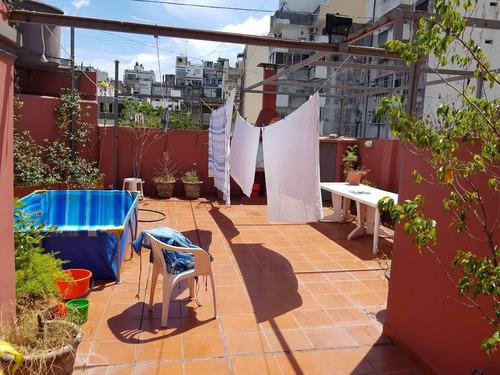 ph en 2 plantas con terraza propia impecable, entre rios 700, balvanera