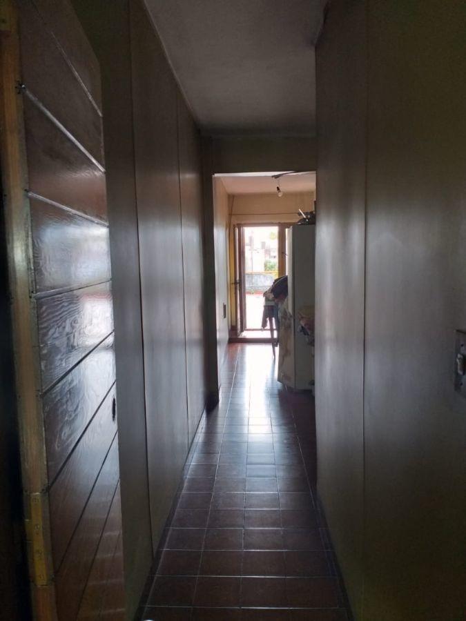 ph en alquiler de 4 dormitorios c/ cochera en caseros para uso comercial