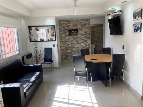 ph en primer piso, amplio y luminoso 3 dormitorios y cochera