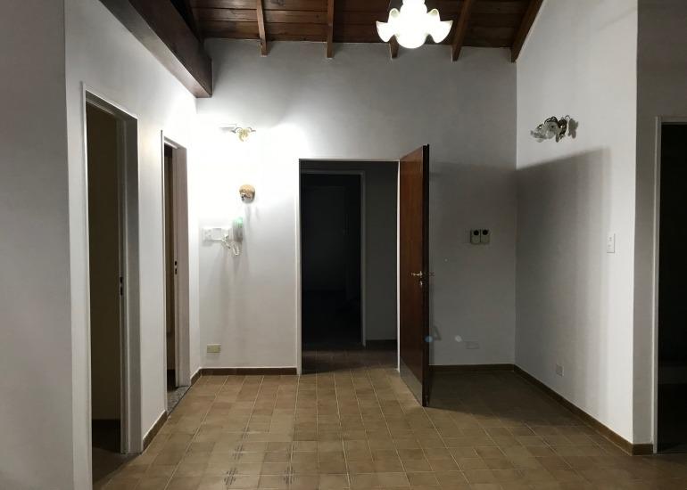 ph en stos lugares - 1º piso x esc 3 amb c/cochera y terraza