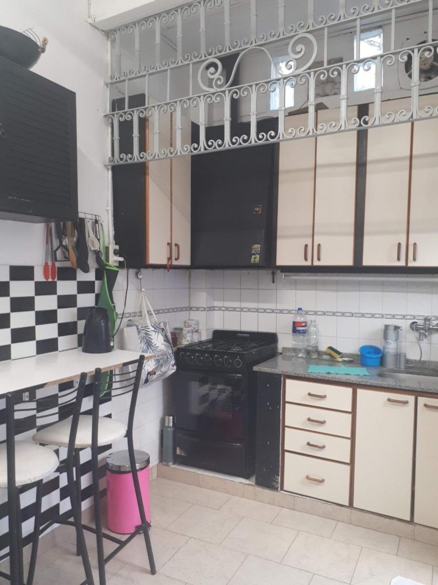 ph en venta 3 ambientes con 2 baños patio y terraza