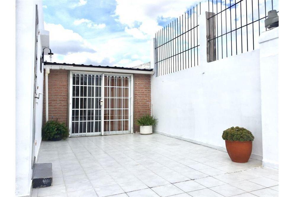 ph en venta 5 ambientes con terraza al frente