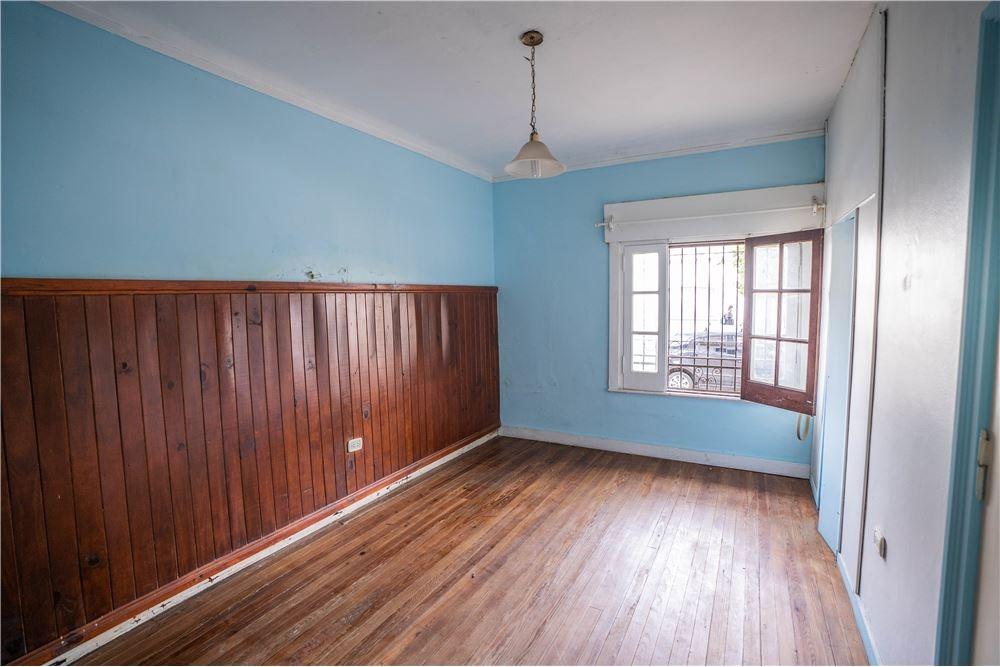 ph en venta al frente 2 dormitorios la plata