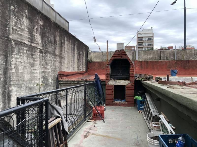 ph entrada independiente 4 ambientes c/patio cubierto & terraza c/parilla