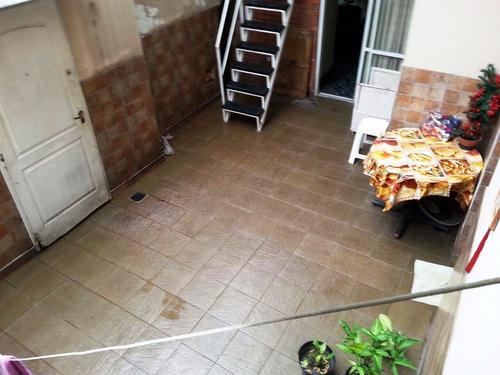 ph lateral de 4 ambientes con escritorio y patio - 110 m2