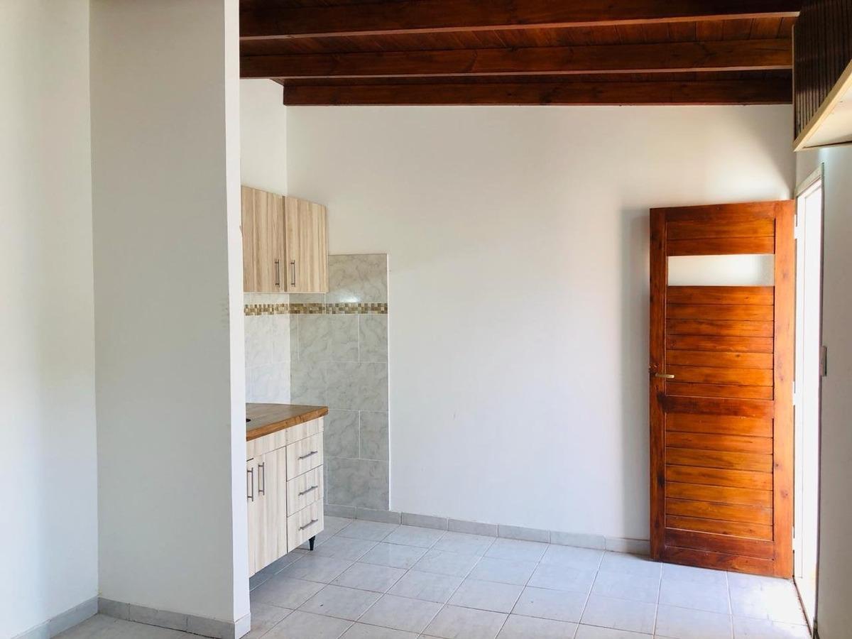 ph monoambiente con opción de cochera en barrio villa primera. oportunidad!