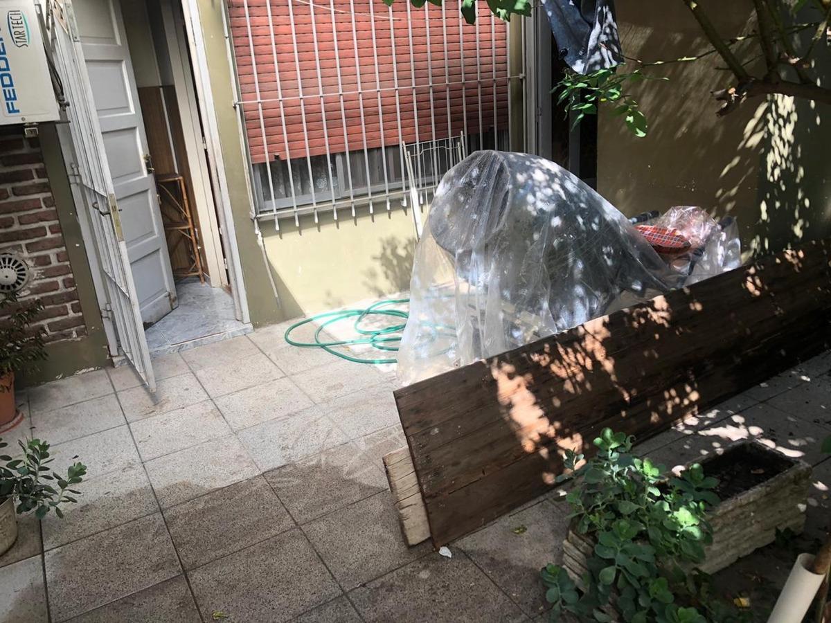 ph tipo casa 3 ambientes con patio y jardin