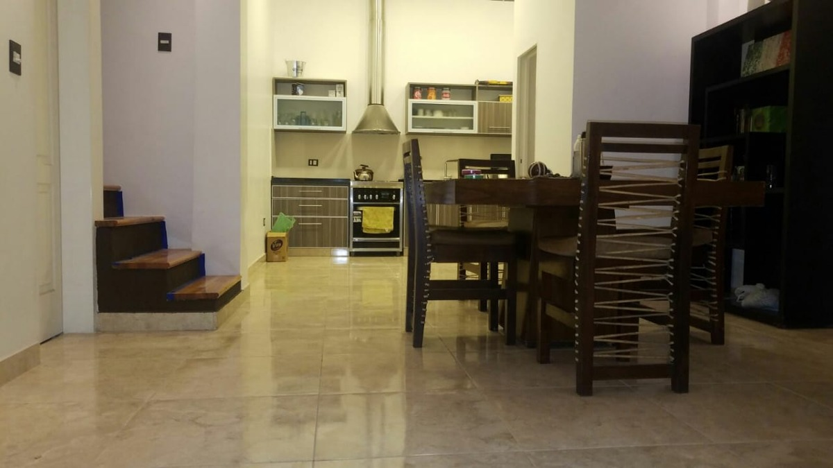 ph tipo casa al frente - 3 ambientes - con cochera -