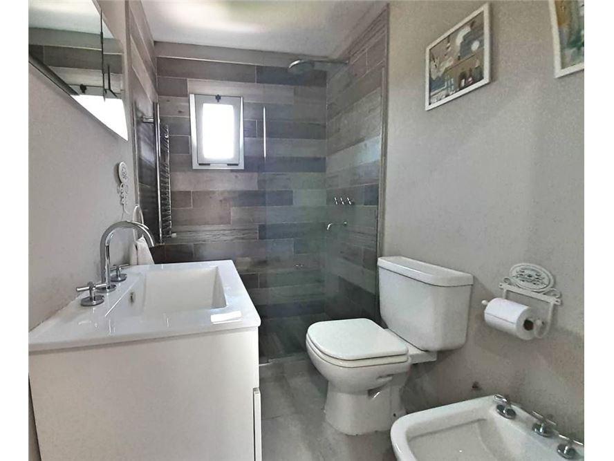 ph  tipo casa castelar norte  centro 4 ambientes