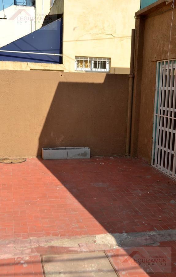 ph tipo casa de 3 ambientes - con garage - sin expensas - patio y terraza propia