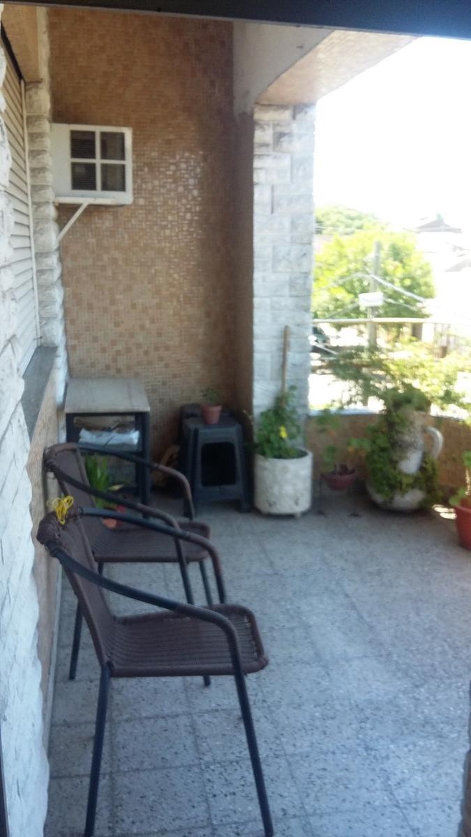 ph tipo casa en pa , 3 amb.con amplio patio y terraza.