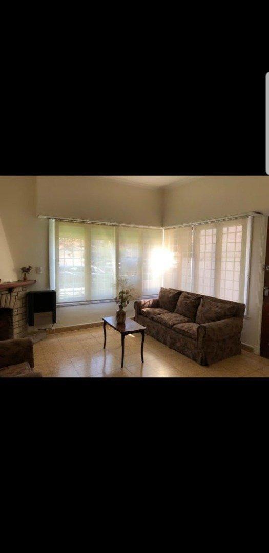 ph tipo chalet de 3 ambientes amplios en alquiler para uso profesional