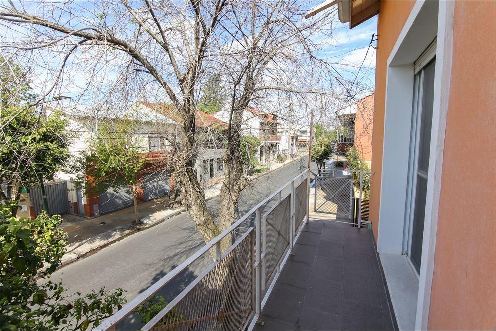 ph venta 3 ambientes con jardín 194m2 (san isidro)