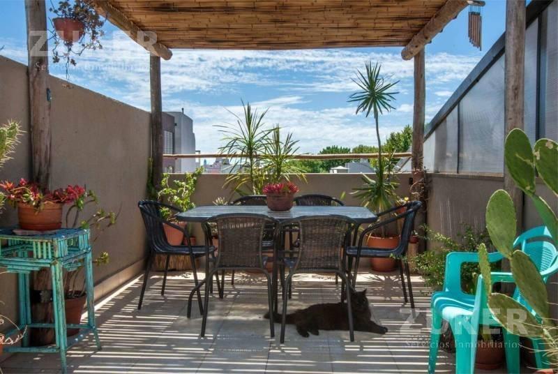 ph - villa urquiza tipo triplex con terraza propia- con renta