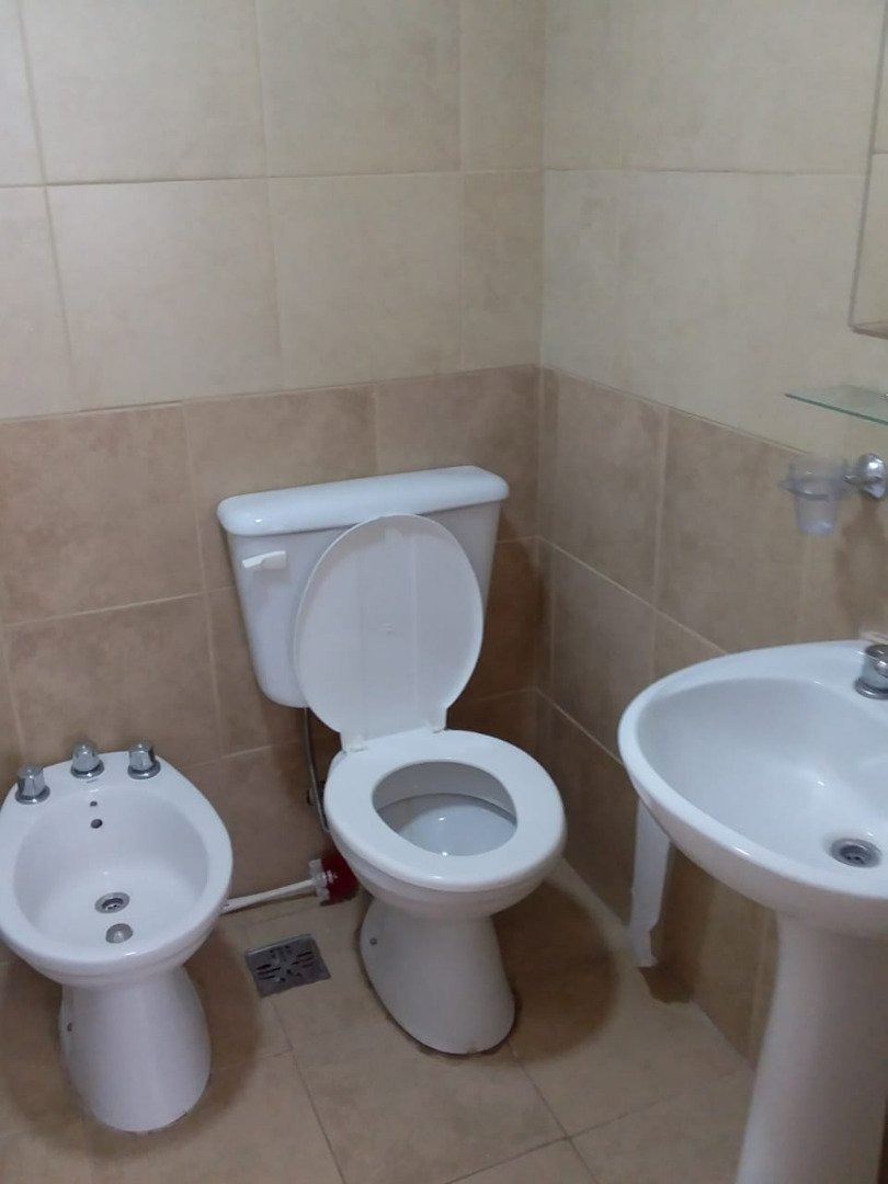 p.h.,2 amb y medio-2 baños-sin gastos.planta baja.