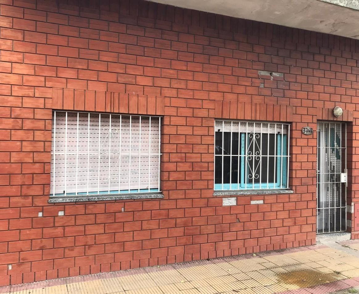 ph.al frente 2 ambientes con terraza en lanus oeste