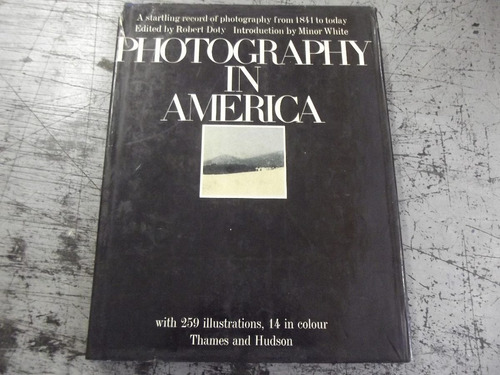 photography in america - livro - robert doty  1974