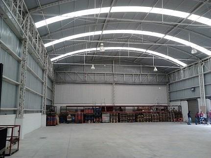 p.i. la noria  800m2 almacen,  1140  patio y oficinas