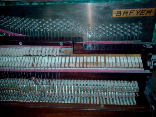 piano breyer vertical