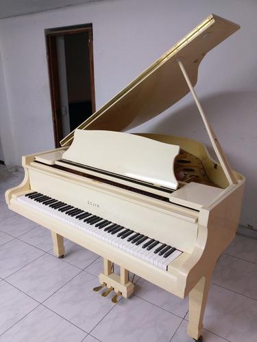 piano cuarto de cola sojin coreano hermoso