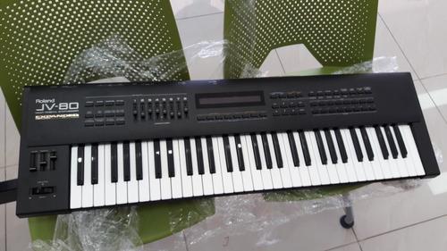 piano roland jv-80