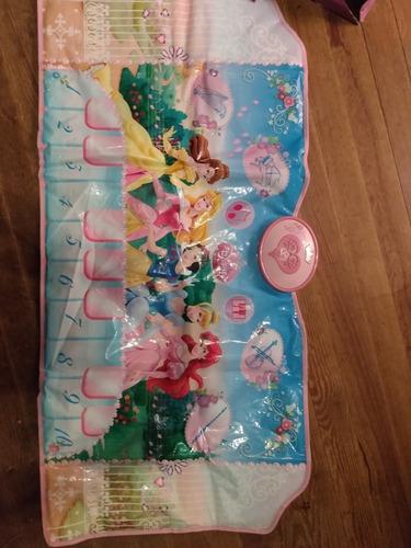 piano tipo alfombra disney princesas