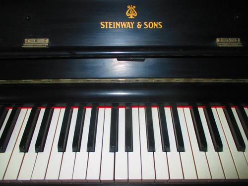 piano vertical en venta marca steinway & sons