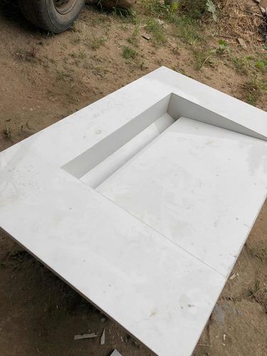 pias,nichos e bancadas feitas em porcelanato