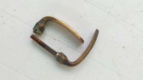 picaporte de bronce  antiguo usado