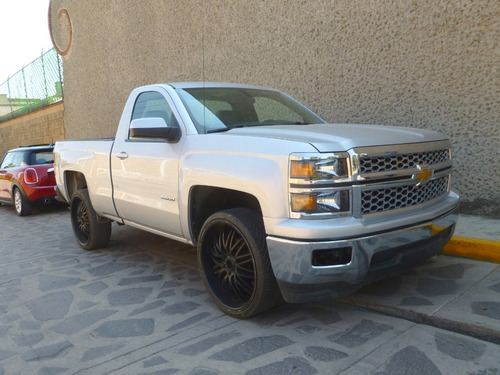 pick up chevrolet cheyenne 4x4, mod. 2016, color plata