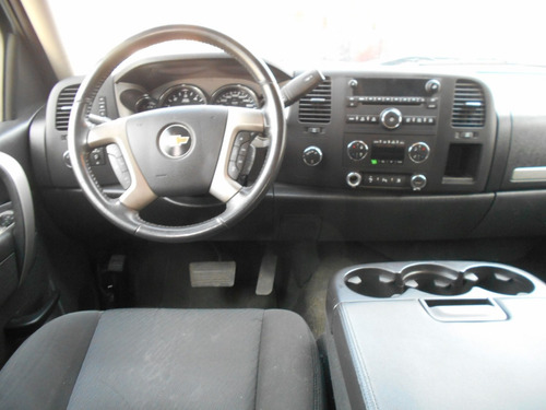 pick up chevrolet cheyenne z71 4x4 doble cab. mod. 2011