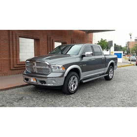 Pick Up Ram  Quad Cab Laramie 4x4 2013