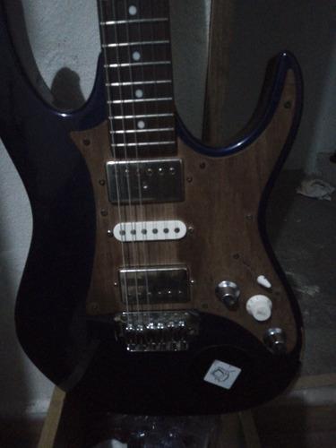 pickguard de guitarra modelo que prefiera en madera( nogal)