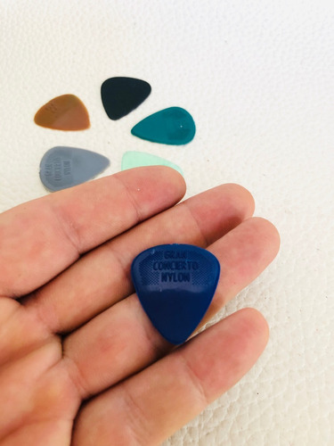 picks puas pajuelas para instrumentos musicales x10 unid.