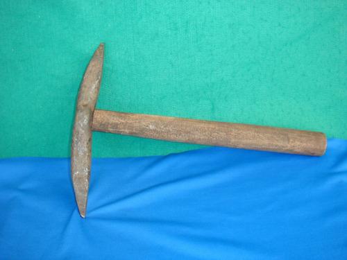 picão antigo de ferro - usado nos moinhos d'água