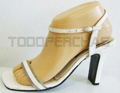 pie exhibidor de calzado zapatos sandalias soquetes maniqui